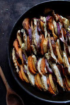 | RECETTES | Qui a dit que les légumes d'hiver étaient tristes ? Ce tian coloré et confit à souhait au bon goût de miel et de ro...