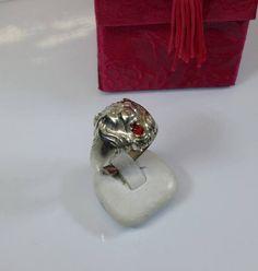 20.7 mm ring 835 Silver Lion head Ruby SR393