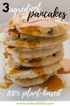 3 Ingredient Pancakes - A healthy and quick plant-based reci.- 3 Ingredient Pancakes – A healthy and quick plant-based recipe Plant Based Diet Meals, Plant Based Meal Planning, Plant Based Eating, Plant Based Foods, Plant Diet, Plant Based Dinner Recipes, Vegan Recipes Plant Based, Recipes Dinner, Vegan Keto
