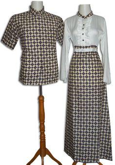 Batik Sarimbit Modern, model gamis batik bahan katun batik kombinasi kain satin sutra (polos), variasi rempel, kancing depan, karet belakang, tanpa foring  Kode : SRH Harga : 240.000/Sepasang  || Gamis saja : 170.000 Size Gamis Batik : M, L, XL Size Kemeja : M, L, XL  Order Cepat via SMS  085866366052