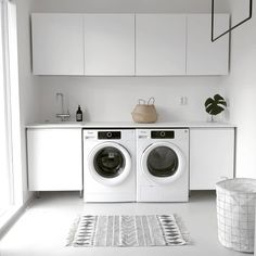 Lovely Laundry Room Design Ideas With Scandinavian Style Room Interior, Interior Design Living Room, Living Room Designs, Nordic Interior, Modern Laundry Rooms, Laundry In Bathroom, Scandinavian Style, Painted Cupboards, Laundry Room Inspiration