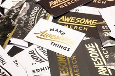 With six different metallic foil options to choose from and available with standard or rounded corners, we've got everything you need to create truly eye-catching business cards.