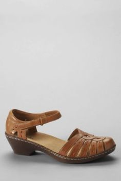 Women's Clarks Wendy River Closed Toe Sandals from Lands' End