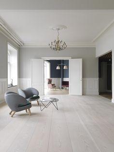 Dinesen showroom - Søtorvet 5 - OeO Designstudio 58. White oak floors.