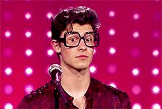 he looks kinda sad or dissapointed or well kinda tired? Shawn Mendes Memes, Shawn Mendes Tumblr, Shawn Mendes Magcon, Shawn Mendes Cute, Niall Horan, Zayn Malik, Mendes 98, Mendes Army, Liam Payne