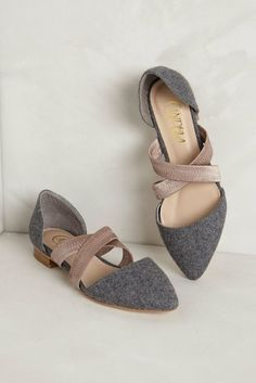 52 Shoes To Copy Asap Dear Stitch Fix Stylist, These flats would look great with any dress pants! Thanks, Chelsea Mode Shoes, Women's Shoes, Shoe Boots, Flat Shoes Outfit, Shoes Style, Buy Boots, Dress Shoes, Fall Shoes, Shoes Men