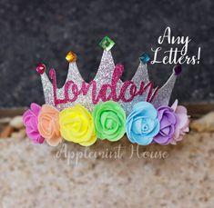 Corona de cumpleaños corona de cumpleaños arco iris corona | Etsy Fiesta Little Pony, My Little Pony Cumpleaños, Cumple My Little Pony, My Little Pony Birthday, Little Pony Party, Baby Girl Birthday, Rainbow Birthday, Make A Crown, Soft Plastic