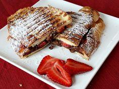 Nutella Strawberry tosti