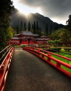The Byodo-In Temple, Oahu, Hawaii