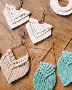 Macrame Earrings Tutorial, Earring Tutorial, Diy Earrings, Crochet Earrings, Bracelet Tutorial, Macrame Purse, Macrame Knots, Macrame Jewelry, Micro Macrame