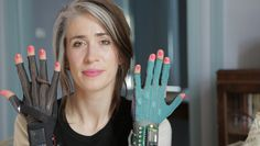 Wearable technology allows you to perform without having to interact with keyboards or control panels. For example, Imogen Heap has mapped movements made with the gloves to musical functions such as drum sounds or bass notes, changes of pitch, arpeggios and filters.