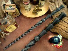 Magic Sorcerer's Wand - Beech Wood - Hand-carved - Straight look, spiral - natural blue Victorite - Les Chakras, Dark Wizard, Wizard Wand, Harry Potter Decor, Geek Decor, Gem Show, Hand Carved, Geek Stuff, Carving