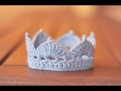 CROCHET CROWN FOR BABY PROP OR PRTY