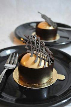 Eat Dessert First - Earl grey & baileys milk chocolate mousse cake Fancy Desserts, Gourmet Desserts, Plated Desserts, Just Desserts, Delicious Desserts, Dessert Recipes, Yummy Food, Dessert Dishes, Mini Cakes