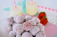 Strawberry breakfast bites are a healthy low sugar energy ball packed with oats and sunflower seeds