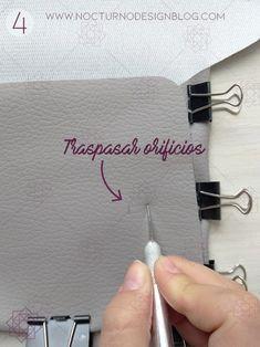 DIY: Bolso sin costuras + molde gratis. – Nocturno Design Blog Design Blog, Diy, Jeans, Molde, Tutorials, Patterns, Dressmaking, Nocturne, Manualidades