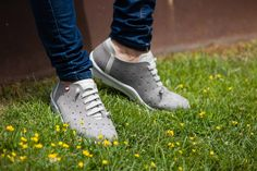 Zapatos cómodos para caminar por la vida. On Foot Shoes.
