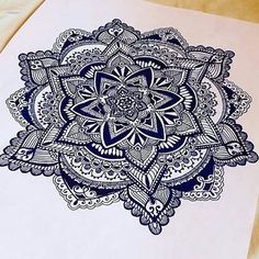 Feature #7 @mandalas_by_kayla  I really love the details in this mandala! Amazing work