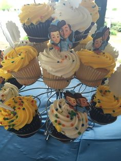 Caleb and Sophia party cupcakes