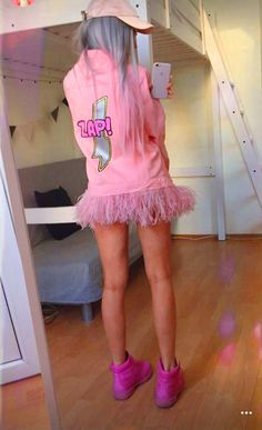 Beautiful LUUNA wearing DARIA Y MARIA PINK ZAP jacket with ostrich feathers You can purchase the same jacket with -50% discount at our website www.dariaymaria.com #luuna #serebro