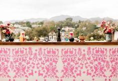 Wedding Lounge, Practical Wedding, Bar Designs, Flower Designs, Furniture Decor, Event Planning, Wedding Decorations, Cocktail, Meet