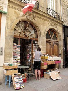 Paris Cheapskate: The Other Bookstore: The Abbey Bookshop