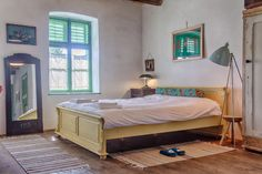 2020 - Cameră privată pentru A carefully restored Saxon room previously used by the lady of the house. One of the original 2 rooms built by Johann Dootz in this room welc. Glamping, The Originals, Bed, Room, House, Furniture, Home Decor, Destinations, Travel