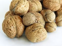 How to Plant Black Walnut Trees From Seeds With Husks