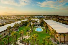 Four Points by Sheraton Fort Walton Beach | Family-Friendly Hotel Florida Vacation, Florida Beaches, Sandy Beaches, Fort Walton Beach Florida, Heated Pool, Gulf Of Mexico, Friends Family, Condo, Adventure