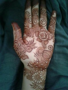 Modern Henna Designs, Floral Henna Designs, Latest Arabic Mehndi Designs, Finger Henna Designs, Henna Art Designs, Mehndi Designs For Girls, Mehndi Designs For Beginners, Dulhan Mehndi Designs, Mehndi Designs For Fingers