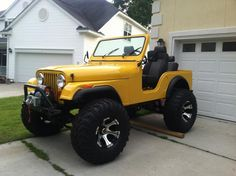 Yellow and a jeep. Wrangler Jeep, Jeep Wrangler Unlimited, Yellow Jeep Wrangler, Jeep Rubicon, Jeep Wranglers, Jeep Willys, Auto Jeep, Jeep Carros, Jeep Photos