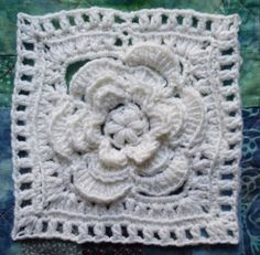 The Crochet Granny Square for Spring: The Mayapple Flower Square