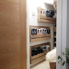 For the Home Shoe storage hallway wooden crates ideas Planting in rose gardening is not Wall Shoe Rack, Wall Mounted Shoe Rack, Wooden Shoe Racks, Diy Shoe Rack, Shoe Wall, Wooden Crates Shoe Storage, Wooden Boxes, Shoe Cupboard, Shoe Cabinet
