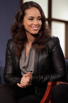 Alicia Keys on Pinterest | Alicia Keys Hair, Egypt and Minimalist ...