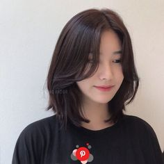Pin on 髪型 Short Layered Bob Haircuts, Short Bob Hairstyles, Short Hair With Layers, Short Hair Cuts, Medium Hair Styles, Curly Hair Styles, Hair Medium, Korean Short Hair, Oval Face Haircuts
