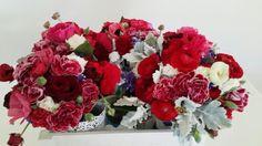 Winter wedding #bridalbouquet #bridalmelbourne #weddingflower #redtheme #dustymiller #bridalinspiration #burgundy #flowerboutique #bridalflower