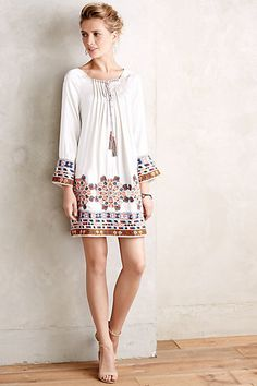 New anthropologie annum swing tunic by pia pauro born in india, pia pauro's eclectic aesthetic is shaped by her nomadic nature and influenced by countless cultures glimpsed on her travels. Cute Dresses, Casual Dresses, Summer Dresses, Summer Outfits, Bohemian Mode, Bohemian Style, Hippie Chic, Moda Fashion, Womens Fashion