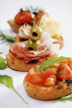 Bruschette, traditional italian appetizer food!!