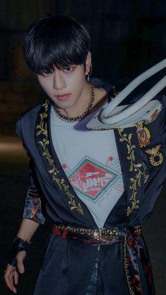 Korean Boy Bands, South Korean Boy Band, Blackpink Photos, Pictures, Seoul, Kim Woo Jin, Stray Kids Seungmin, Cute Asian Guys, Kids Around The World