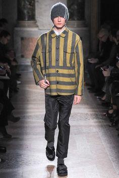 No. 21 Fall 2015 Menswear Collection - Vogue