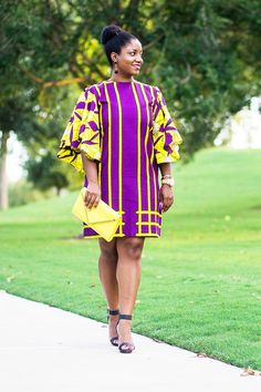 Let's discuss this 3reeCs butterfly shift dress! It's so fun, right? I love the colors and the sleeves. I particularly love the pattern on the bodice of the dress.