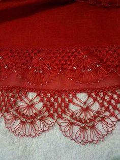 This Pin was discovered by Sun Diy Crochet Headband, Baby Headband Tutorial, Crochet Braid Pattern, Fabric Bow Headband, Fabric Bows, Braid Patterns, Bead Crochet, Crochet Stitches, Make Baby Headbands