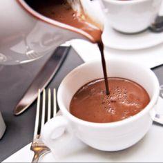 Best hot chocolate in the world...Angelina's, Paris <3 sako, ir mont blanc yra jų vizitinė - kartu su afrikietišku šokoladu :)