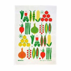 The stylish Kristina kitchen towel is designed by Lotta Kühlhorn for Koloni Stockholm. It´s made of finest quality and has a lovely pattern with illustrated vegetables. The print has a retro and colorful design that really primps the kitchen. And what can be more suitable in the kitchen than some fresh vegetables