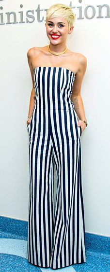 Miley Cyrus in stripes jumpsuits. silhouettetrend.com