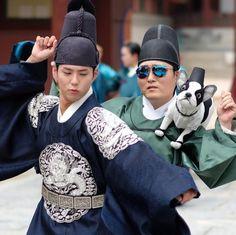 """160715 [스타SNS] 이준혁-박보검, """"구르미그린달빛 달빛스웩""""…'붐바스틱 길만 걸으소서'"""