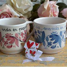 Taza Rosa Cerámica y azul 18,00€ -Luminaria Regalos Cristianos Glaze, Tile Painting, Porcelain, Ceramics, Mugs, Tableware, Wood Sculpture, Block Prints, Painted Porcelain