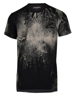 This T-shirt is both durable and soft – a great combination for that casual streetwear look. Military patch on left chest along with a gold foil label print on Camisa Tie Dye, Create T Shirt Design, Spring T Shirts, Custom T Shirt Printing, Distressed Tee, Custom Clothes, Shirt Style, Shirt Designs, Philip Plein