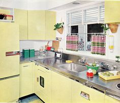 The Nifty Fifties — 1957 yellow kitchen design. Kitchen Retro, Old Kitchen, Vintage Kitchen, Retro Kitchens, Retro Bathrooms, Dream Kitchens, Kitchen Ideas, Mid Century Decor, Mid Century House