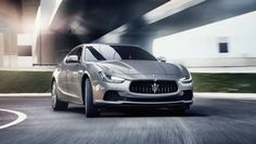 The 2017 #Maserati Ghibli gets a 3.0-litre twin-turbocharged V6 engine and has a top speed of 267 Km/h.